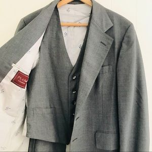 Jos A Bank Clothiers 2 Piece Suit Jacket And Vest